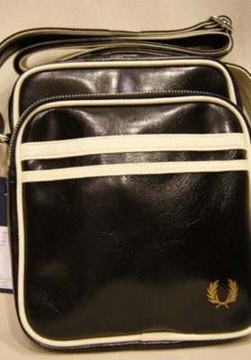 Bolso-fred-perry-negro-sc-r