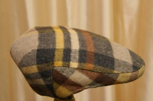 gorra cuadros grandes