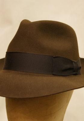Sombrero-fieltro-marrón-oscuro-sc