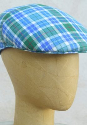 gorra-cuadros-azul