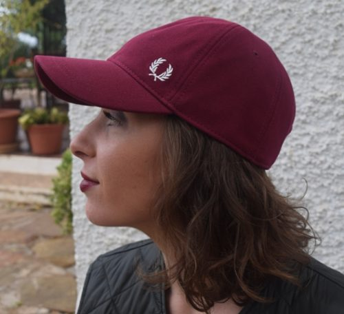Gorra-Fred-Perry-granate